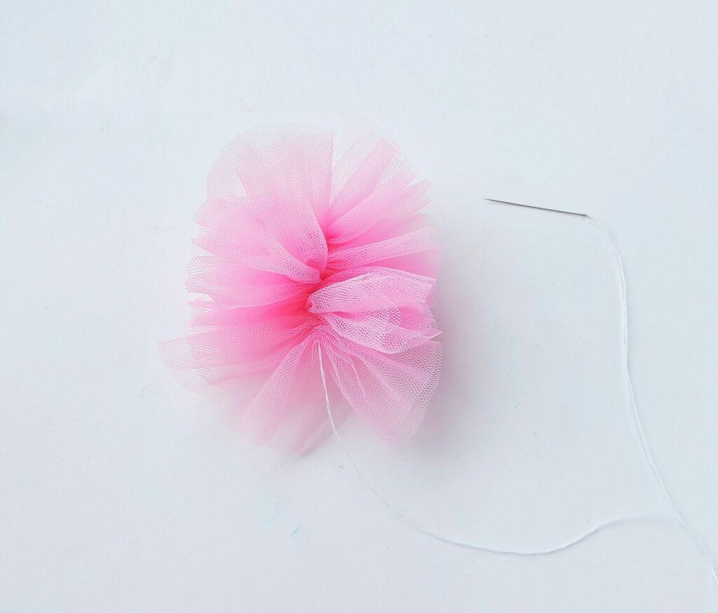 pink mesh body pouf