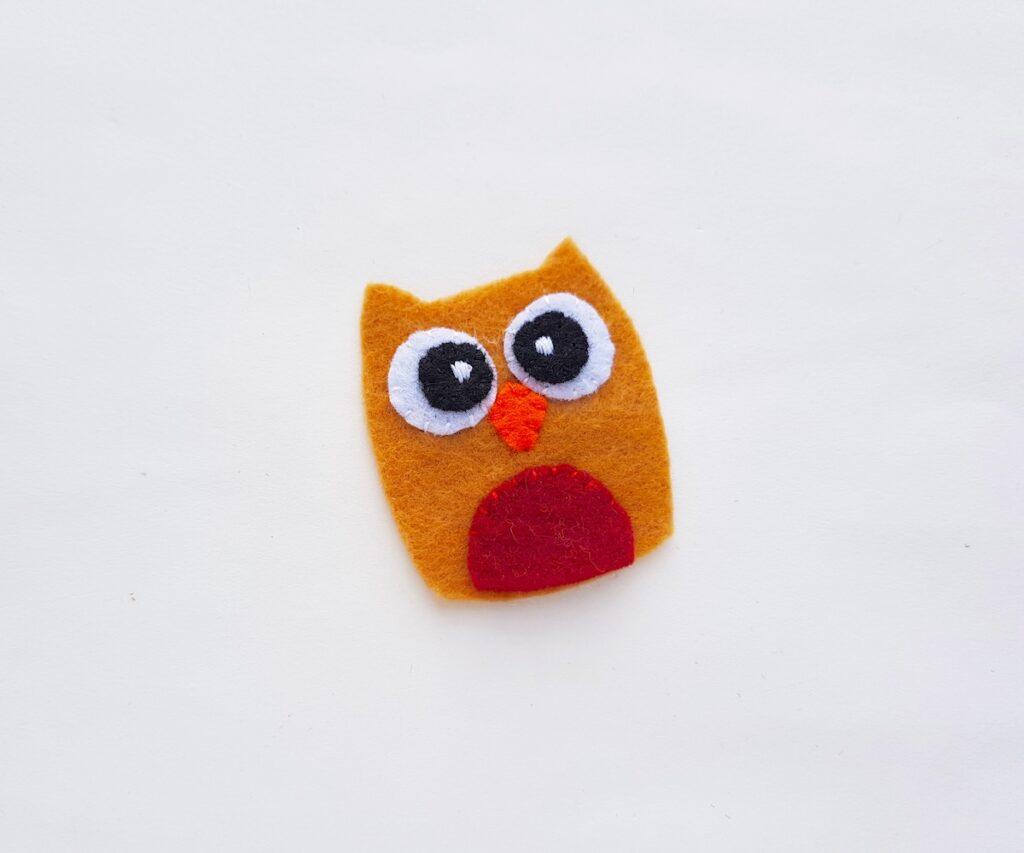Felt Owl Plush sewing red felt piece