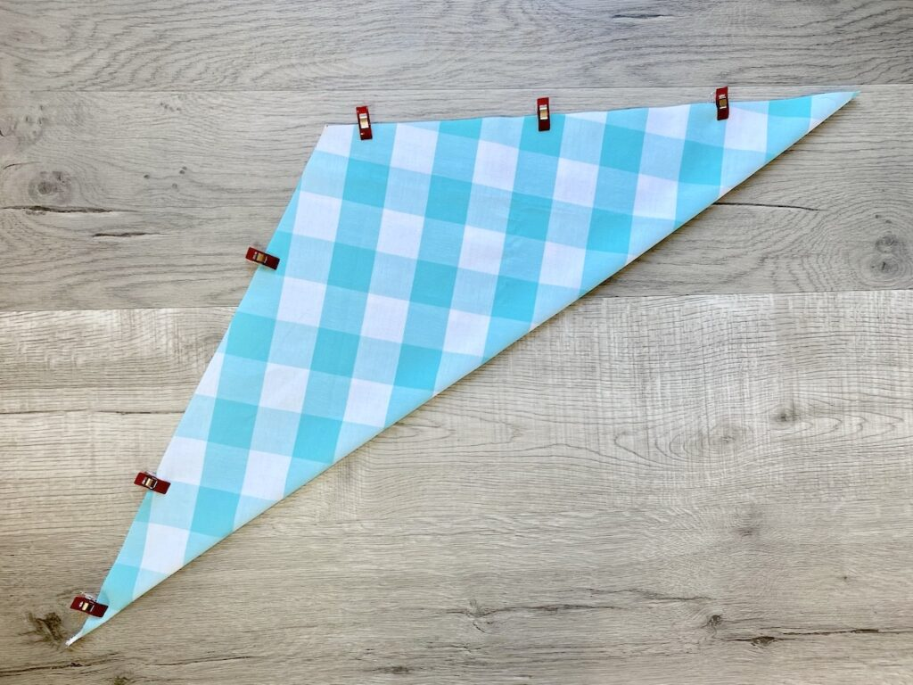 fabric triangle with sewing clips on edges