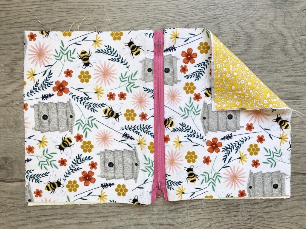 Lined Zipper Pouch Step 14