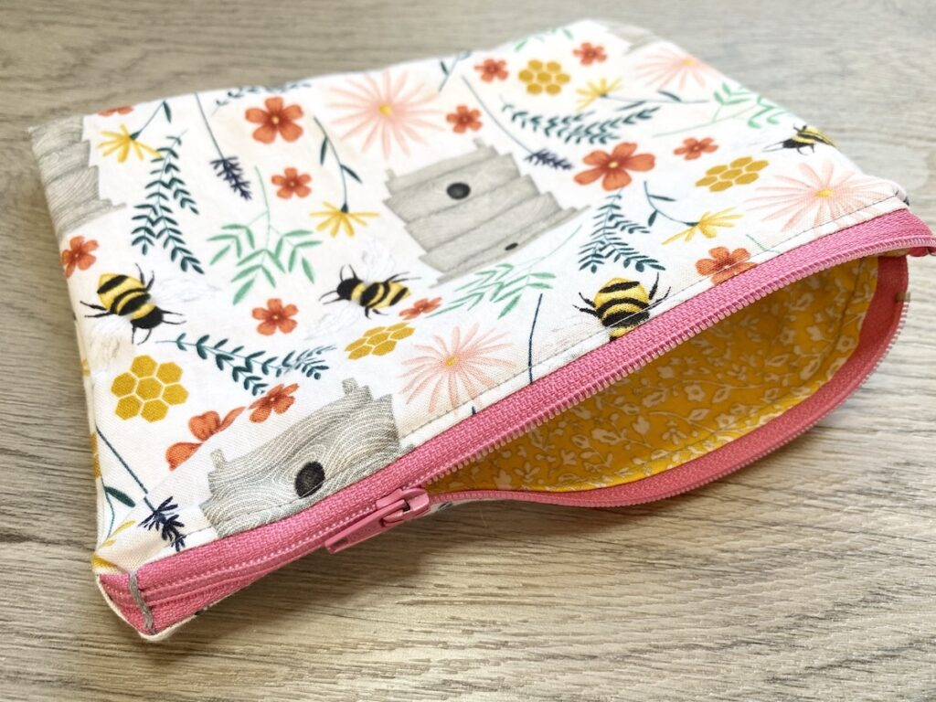 Lined Zipper Pouch Step 23